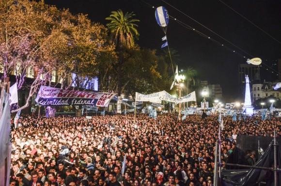 Crisitina y plaza de mayo fotos kaloian