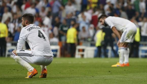 Sergio Ramos luce devastado al final del partido. Foto: Reuters / Sergio Perez
