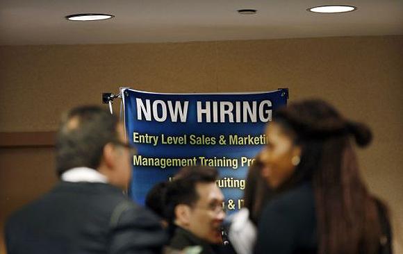 Solicitantes de empleo en la ciudad de Nueva York. Foto: Reuters