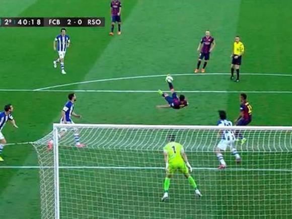 Espectacular gol de chilena de Pedro. Foto tomada de Mundo Deportivo