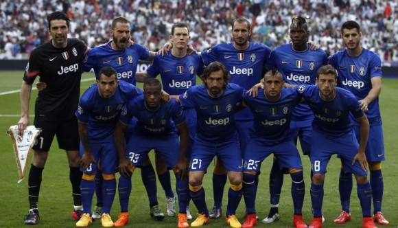 El Juventus posa ante la prensa antes del juego, 13 de mayo de 2015. Foto: AP Photo/Andres Kudacki