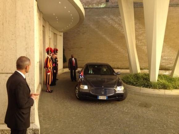 Llegada al Vaticano del Presidente cubano Foto: Vaticano