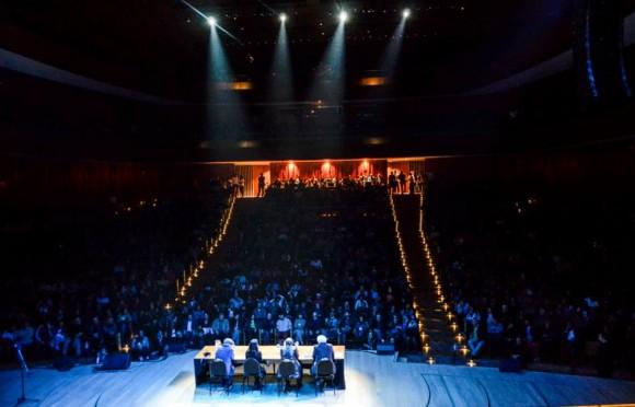 La Ballena Azul se colmó de seguidores de Silvio Rodríguez, esta vez para presentar un libro. foto: Kaloián / Cubadebate