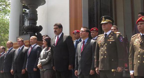 Condecoran en Venezuela a Los Cinco