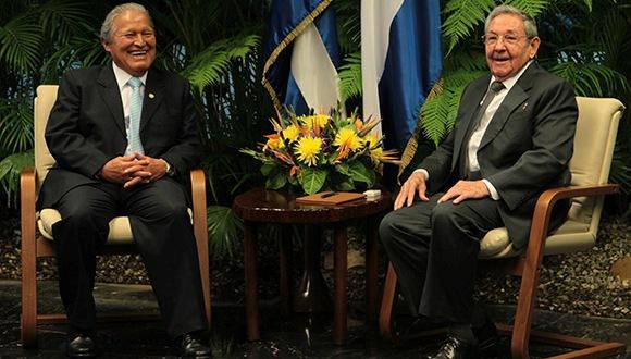 Raúl Castro y Salvador Sánchez Cerén 580