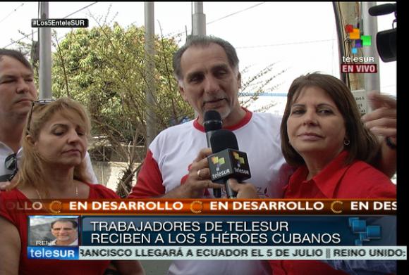 René González y Ramón Labañino en TeleSur. Foto tomada de telesurtv.net