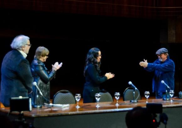En la presentación del libro de la gira de Silvio por barrios cubanos. Foto: Kaloián / Cubadebate