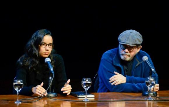 Habla la periodista Mónica Rivero en la presentación de su libro en el CCK de Buenos Aires. Foto: Kaloián / Cubadebate