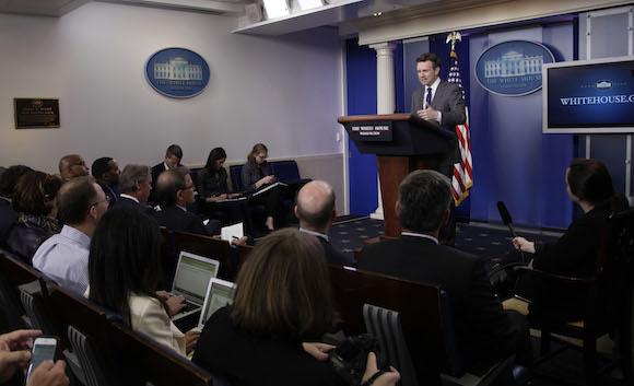 """""""Le entusiasmaría la oportunidad"""", dijo Earnest en su conferencia de prensa diaria. Foto: Ismael Francisco/ Cubadebate"""