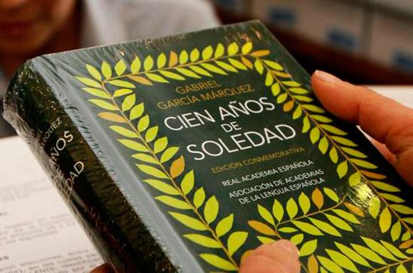 """Roban primera edición de """"Cien años de soledad"""" de Feria del Libro de Bogotá. Foto: AFP."""
