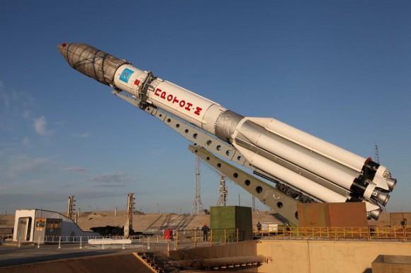 Este incidente es el segundo fallo en el programa espacial ruso en las últimas 24 horas, después de que no se pudieran activar los motores del carguero espacial Progress que debía corregir la órbita de la Estación Espacial Internacional.