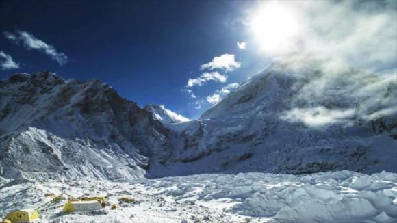 El Everest aumenta de altura tras el terremoto en Nepal