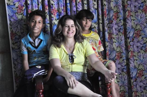 Salem (izquierda), Sahilys y Nagi se sienten seguros y contentos de estar en Cuba. Fotos: Lorenzo Crespo Silveira