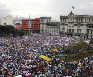 Protestas en Guatemala exigen la renuncia del presidente
