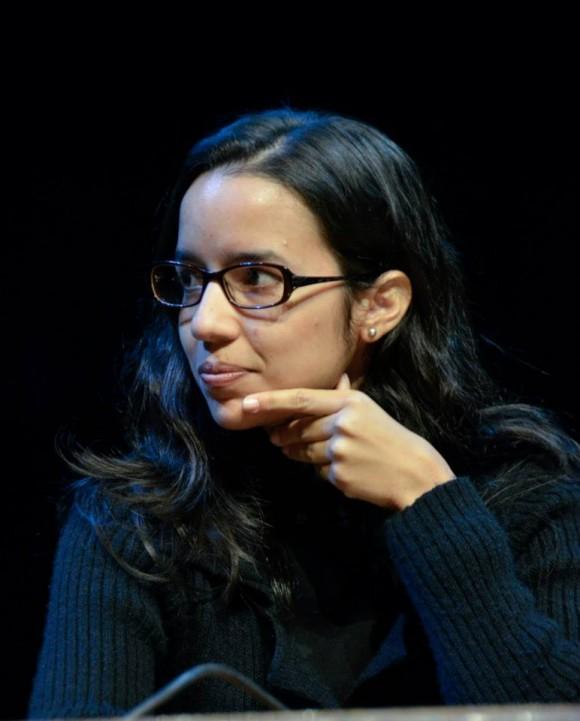 Mónica Rivero, periodista de Cubadebate, durante la presentación de su libro sobre la Gira de Silvio por los Barrios. Buenos Aires. Foto: Kaloián / Cubadebate