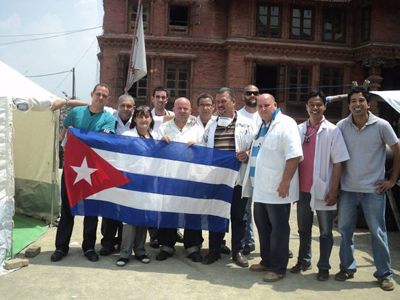 médicos cubanos nepal4