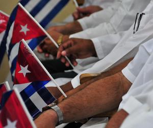 medicos-cubanos-a-Nepal-1