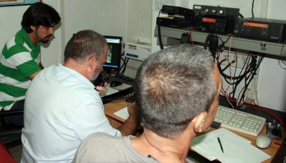 Estación de radioaficionados activada en el ejercicio ¨Meteoro 2015¨, en La Habana, Cuba el 16 de mayo de 2015.AIN FOTO/Abel PADRÓN PADILLA