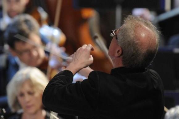 Osmo Vänskä, Director de la Orquesta Sinfónica de Minnesota, durante la segunda presentación de esta orquesta, en el Teatro Nacional de Cuba, en La Habana, el 16 de mayo de 2015. AIN FOTO/Roberto MOREJÓN RODRÍGUEZ/