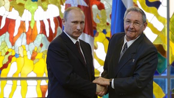 Encuentro de Raúl y Putin en La Habana. Foto: TASS