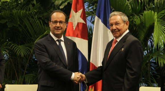 Encuentro oficial del Presidente Cubano Raúl Castro Ruz y el Presidente Francés Francois Hollande, en el Palacio de la Revolución, 11 de mayo de 2015. Foto: Ismael Francisco / Cubadebate