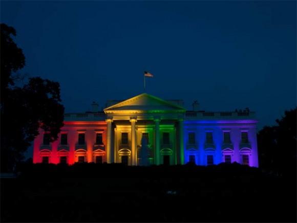 La Casa Blanca ilumina su fachada en celebración al matrimonio gay