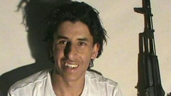 """Después del ataque, Estado Islámico distribuyó una foto de Seifeddine Rezgui diciendo que era su soldado """"Abu Yahya Al Qayrawani""""."""