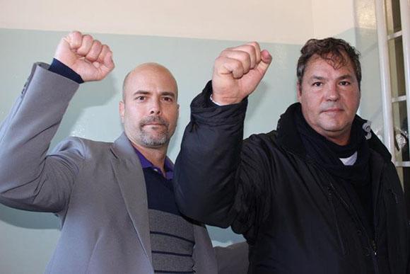 5 Héroes en Robben Island.