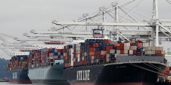 La baja del comercio de materias frenará crecimiento de América Latina, según el Banco Mundial. Foto: AP (Archivo).