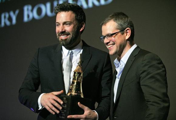 Ben Affleck y Matt Damon reciben un premio en el Festival de Cine de Santa Bárbara en 2013. Foto: Tomada de 20minutos.es