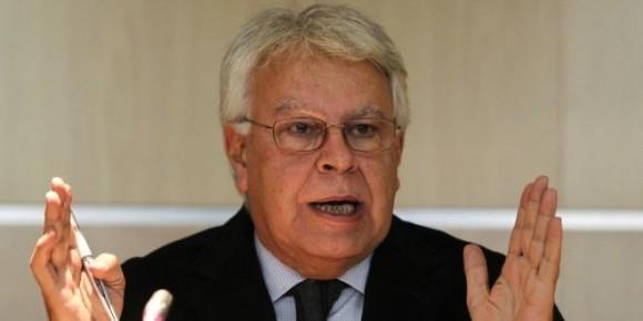 Los venezolanos invitan a González a ocuparse de su país, España, que aún sufre las consecuencias de su gestión.