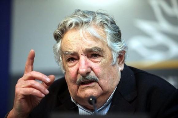 Mujica afirmó que el fútbol uruguayo