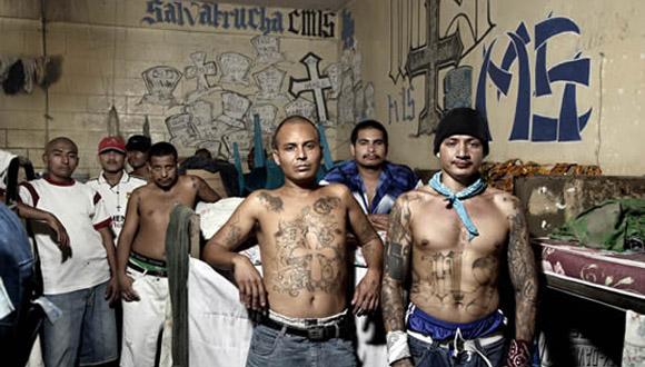 El fenómeno de las maras se originó en barrios hispanos de Estados Unidos. Fotos: AP (Archivo).