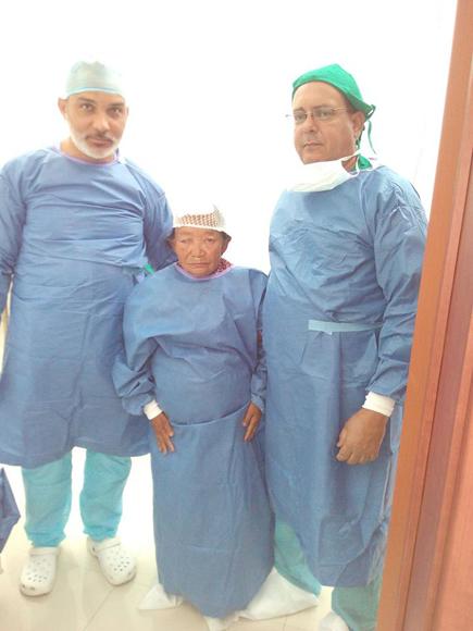 Medicos cubanos en nepal1