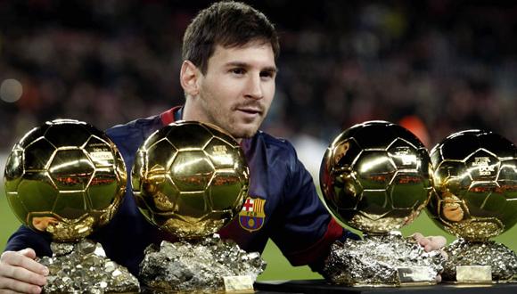 Messi hizo historia al convertirse en el primer jugador que obtuvo cuatro balones de oro de forma consecutiva. Foto: taringa.net