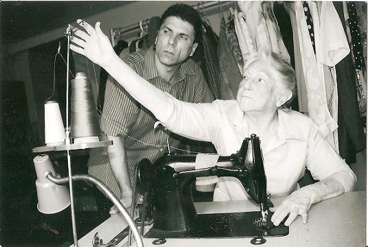 Nelson A. Dennis y su madre  boricua, Sarah.