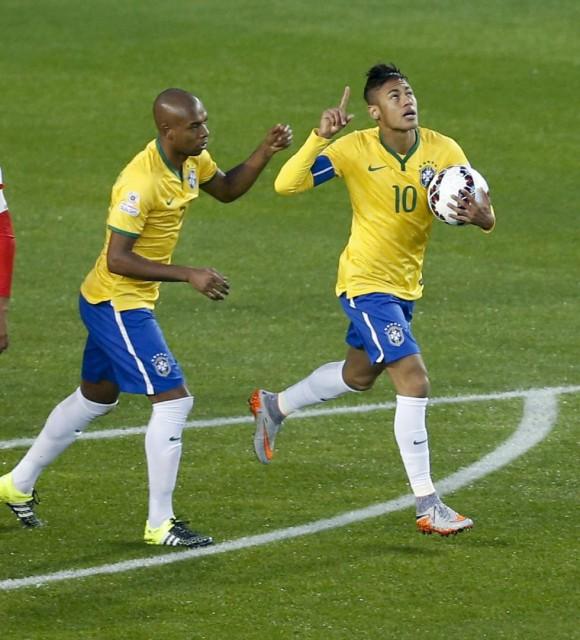 Neymar celebra su gol. Foto: EFE