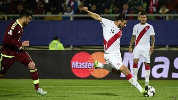 Pizarro puso el balón en la red en el minuto 71. Foto: BBC