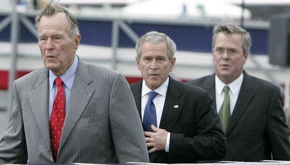 Presidente número 41 de EE.UU. y presidente número 43 de EE.UU. ¿Presidente número 45 de EE.UU.? Foto: EPA.