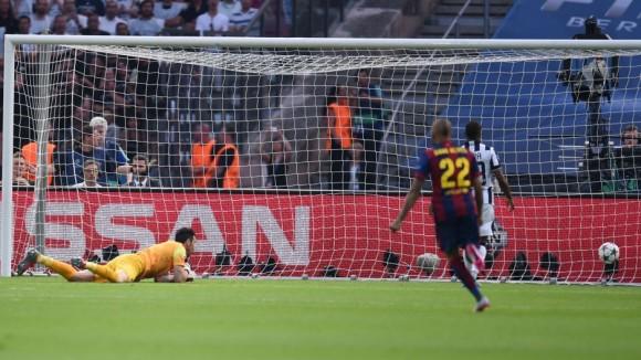 Momentos del primer gol del Barcelona en la Final de la Champions, 6 de junio de 2015. Foto: AFP