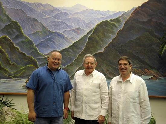 Diosdado Cabello, Raúl Castro y Bruno Rodríguez el 20 de junio de 2015. Foto: Estudio Revolución