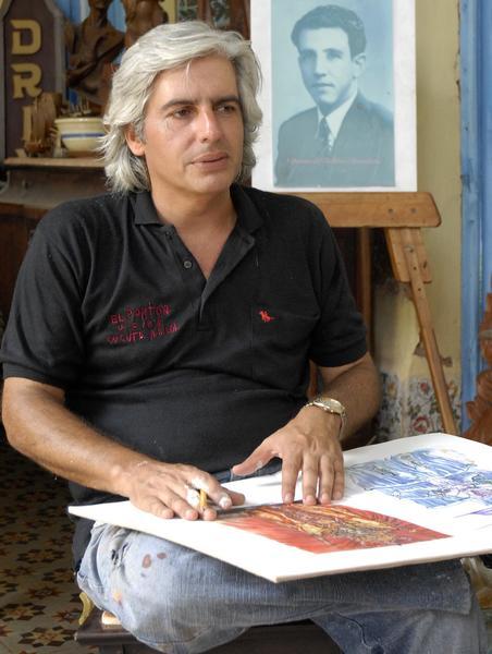 Roaidi Cartalla Carbajal, artista fundador del proyecto Todo sobre Remedios. Foto: Arelys María Echevarría/ AIN.
