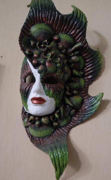 Máscaras confeccionadas por  Roaidi Cartalla Carbajal, artista popular que recrea en sus imágenes la cultura,  leyendas y  tradiciones de la Villa de San Juan de los Remedios. Foto: Arelys María Echevarría/ AIN.