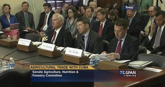 Los agricultores, ganaderos y funcionarios de la Agricultura, Hacienda y Comercio Departamentos testificaron en una audiencia sobre las oportunidades y retos de comercio con Cuba.