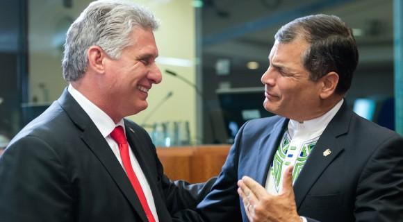 Miguel Díaz Canel, primer Vicepresidente de Cuba, y el Rafael Correa, presidente de Ecuador, en la Cumbre Celac-UE. Foto: Geert Vanden Wijngaert/ AP