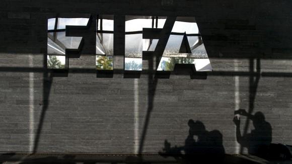 La FIFA recibió otro duro golpe con el anuncio del rechazo de la Interpol de los 20 millones de euros que financiaban la lucha contra la manipulación de las competiciones. Foto: AFP.