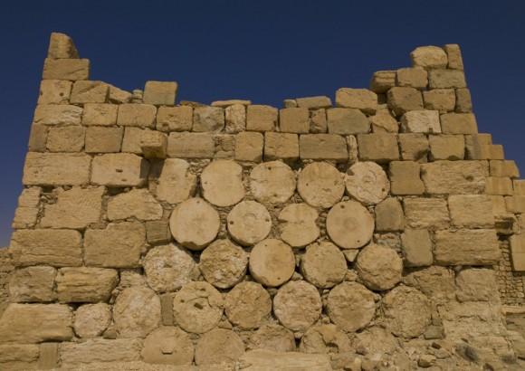 La amenaza que representa el fanatismo del Estado Islámico para el patrimonio histórico ya quedó patente con la destrucción de los restos arqueológicos de Nimrod, de Hatra y de la bíblica Nínive, en Irak. En la imagen, detalle de unas ruinas históricas de la ciudad siria de Palmira. Foto: Eric Lafforgue/ Corbis.