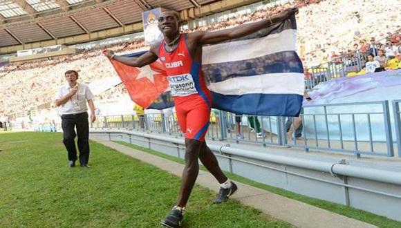 A Pichardo, poseedor además de la mejor marca de la temporada, con 18,08, lo escoltaron en el podio su compatriota Alexis Copello (17,15), quien no compite en representación de la Federación nacional; y otro cubano, Ernesto Revé (16,89). Foto: Archivo.