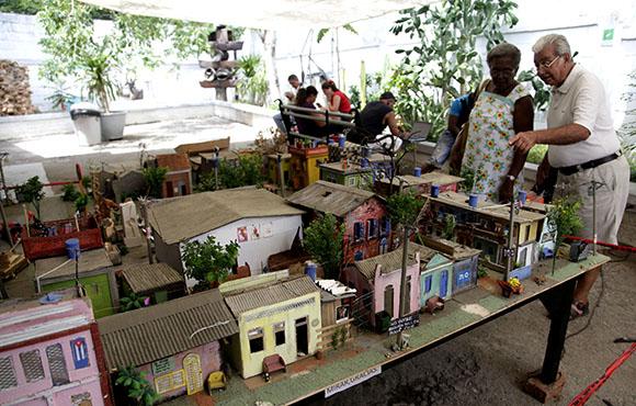 Maqueta de las instalaciones de la XII Bienal en el barrio de Romerillo. Foto: Ismael Francisco/ Cubadebate