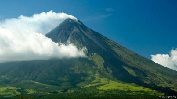 El monte Mayón es apreciado por su increíble simetría.
